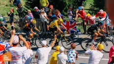 Chris Froome ride the Alpe d`Huez at the Tour de France 2015 HC Bike Tours Custom and Private bike holidays